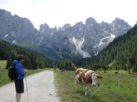 ヴァッレス峠からセガンティーニ小屋へ。_f0161652_23545495.jpg