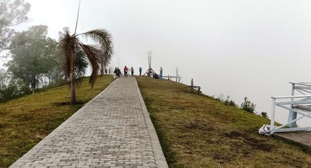 フロレス島の旅(ウォロボボ山の夕焼け)_d0083068_10562762.jpg
