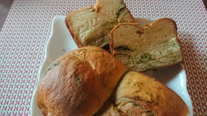 抹茶入り食パンとコッペパン生地でくるみパン_f0035506_17042928.jpg