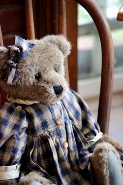 ネイビーチェックのドレスのBoyds Bear_f0161543_16231741.jpg