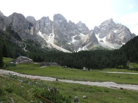 ヴァッレス峠からセガンティーニ小屋へ。_f0161652_00131575.jpg