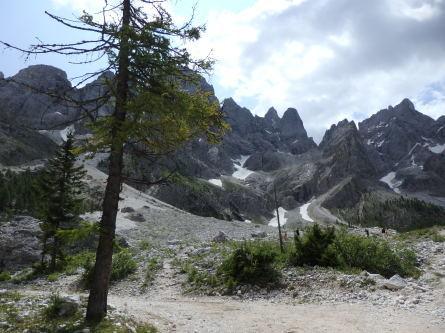 ヴァッレス峠からセガンティーニ小屋へ。_f0161652_00190559.jpg