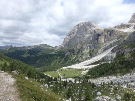ヴァッレス峠からセガンティーニ小屋へ。_f0161652_01535162.jpg
