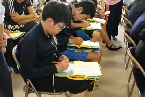 十和田西高生が小学生へセーフコミュニティ普及活動_f0237658_12440936.jpg