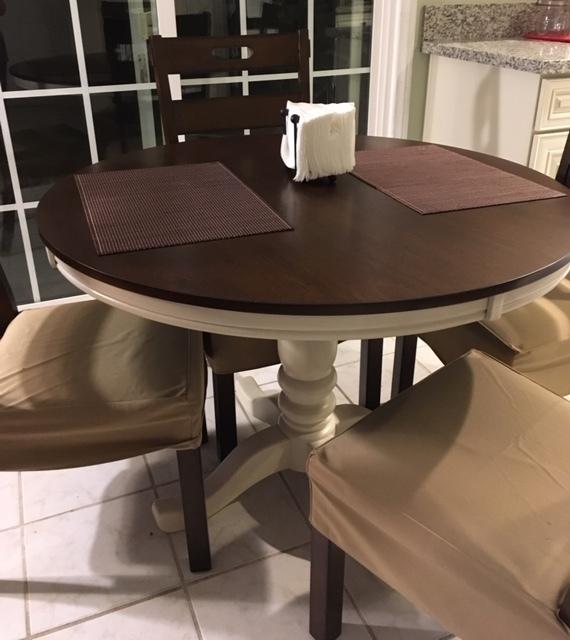 新しいテーブルと絨毯_e0350971_13391663.jpg
