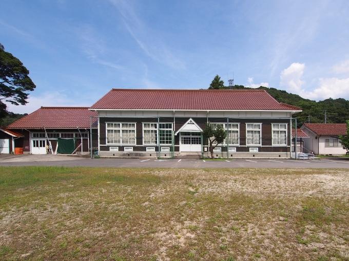 旧波積小学校講堂_f0116479_22165665.jpg