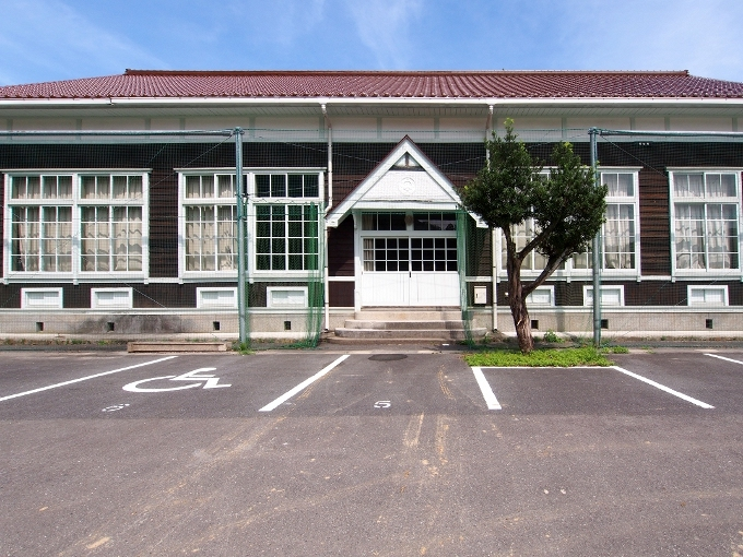 旧波積小学校講堂_f0116479_22173115.jpg