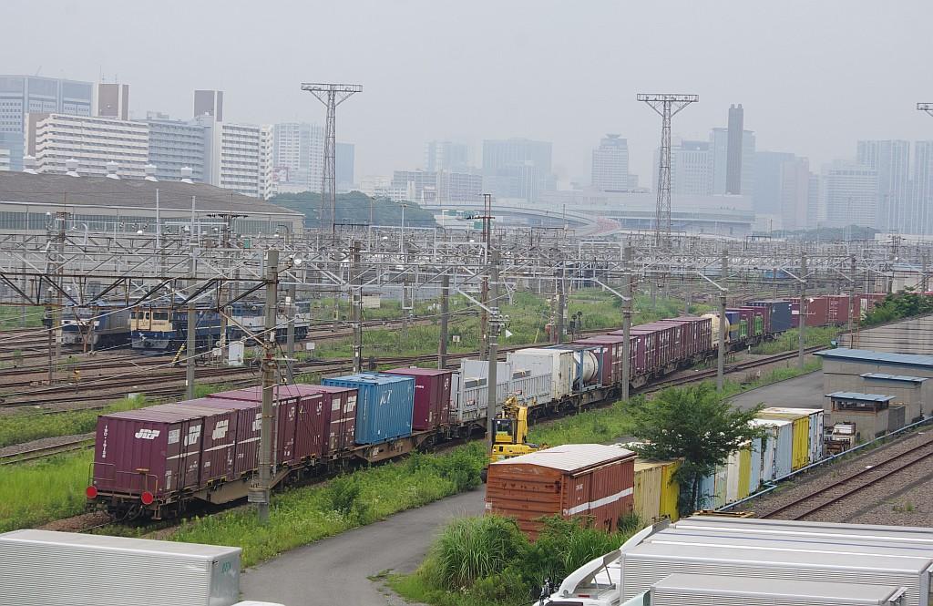 7/20東京貨物ターミナルにて4072レのコキとコンテナ_f0203926_22262873.jpg