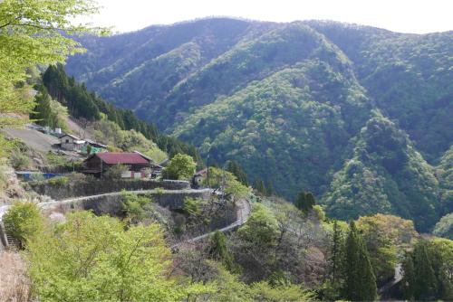 天界の村を歩く2 関東山地 多摩川_d0147406_22314970.jpg