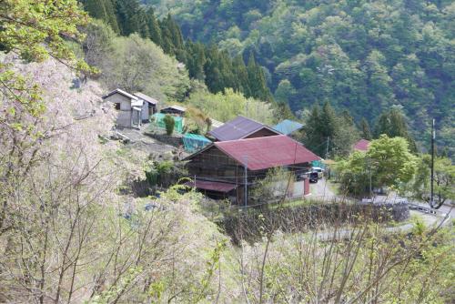 天界の村を歩く2 関東山地 多摩川_d0147406_22324705.jpg