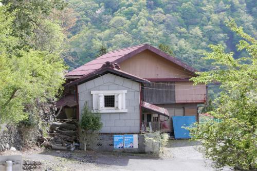 天界の村を歩く2 関東山地 多摩川_d0147406_22330633.jpg