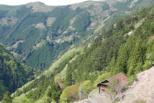 天界の村を歩く2 関東山地 多摩川_d0147406_22341923.jpg