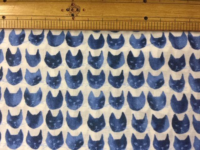 涼しい猫玉がらの布_d0156706_12382903.jpg