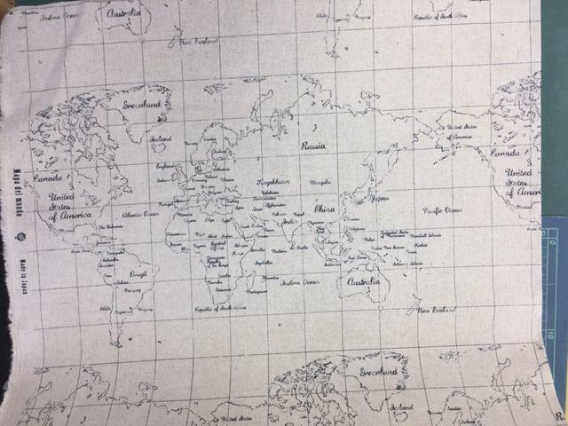 かすれた世界地図柄の布_d0156706_12584184.jpg
