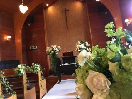 卒花嫁様アルバム 鎌倉泉水教会さまへ、挙式装花   いつも見ていた礼拝堂に_a0042928_23143486.jpeg