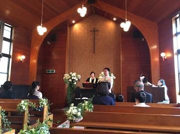 卒花嫁様アルバム 鎌倉泉水教会さまへ、挙式装花   いつも見ていた礼拝堂に_a0042928_23143505.jpeg