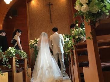 卒花嫁様アルバム 鎌倉泉水教会さまへ、挙式装花   いつも見ていた礼拝堂に_a0042928_23143598.jpeg