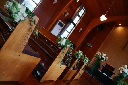 卒花嫁様アルバム 鎌倉泉水教会さまへ、挙式装花   いつも見ていた礼拝堂に_a0042928_23251758.jpg