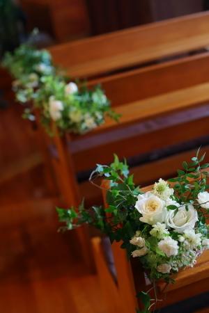 卒花嫁様アルバム 鎌倉泉水教会さまへ、挙式装花   いつも見ていた礼拝堂に_a0042928_23253861.jpg