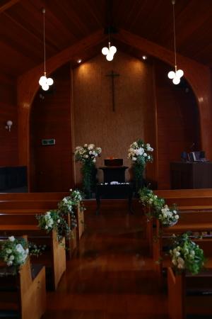 卒花嫁様アルバム 鎌倉泉水教会さまへ、挙式装花   いつも見ていた礼拝堂に_a0042928_23255573.jpg