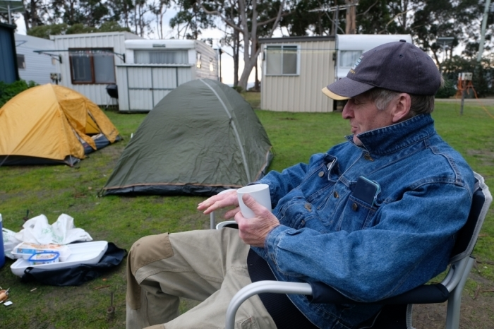 キャンプの朝 Bluny Island  Tasmania  6月28日_f0050534_23203359.jpg