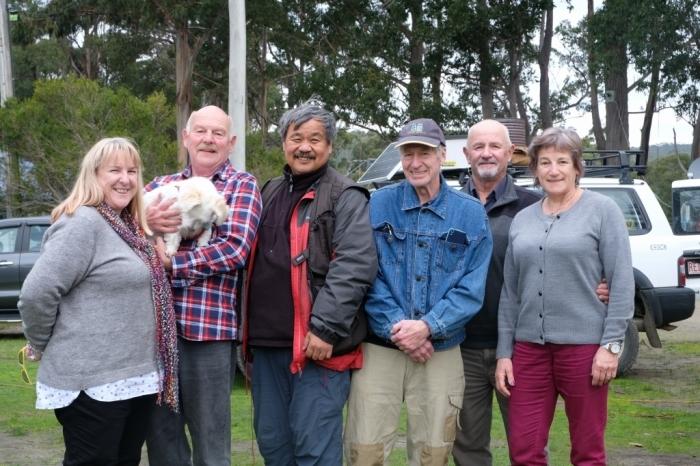 キャンプの朝 Bluny Island  Tasmania  6月28日_f0050534_23203381.jpg