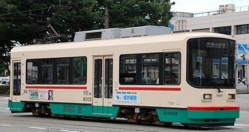 富山地方鉄道富山軌道線 デ8000形_e0030537_18055224.jpg