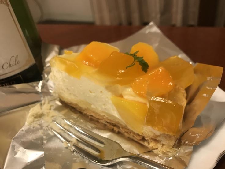 オットが買ってくれたケーキ ♪_c0212604_1745798.jpg