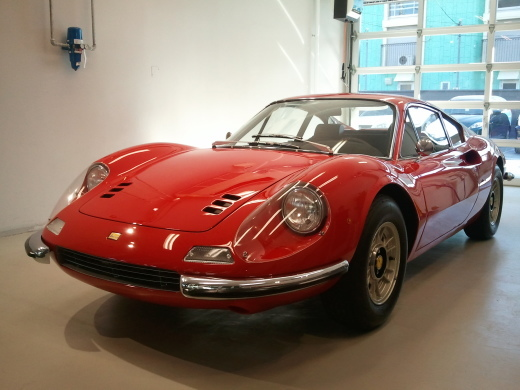 Dino246 or  Ferrari308_a0129711_10142031.jpg