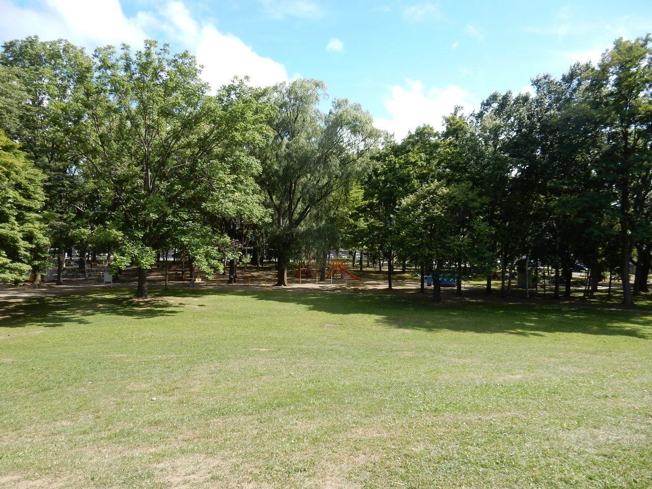 美香保公園の山には高射砲の台座が埋まっている_c0025115_23334828.jpg