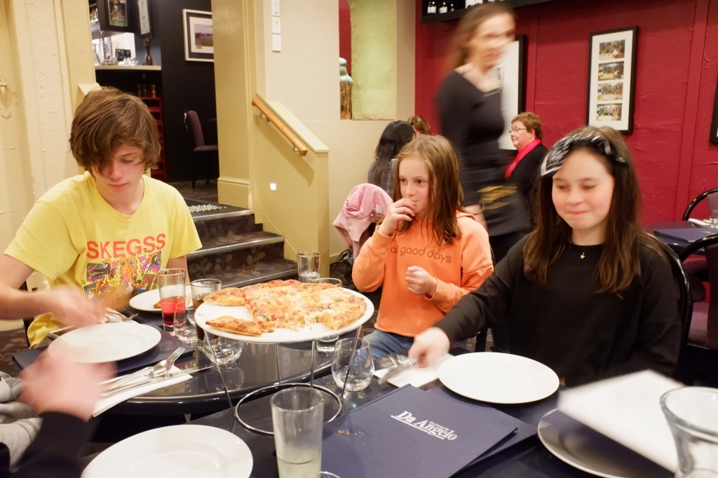 Da,Angelo  イタリアンレストラン Hobart  6月28日_f0050534_07153336.jpg