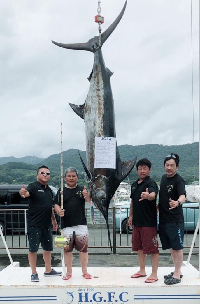 日曜日は浜松沖でクロカジキ7本_f0009039_13504891.jpg