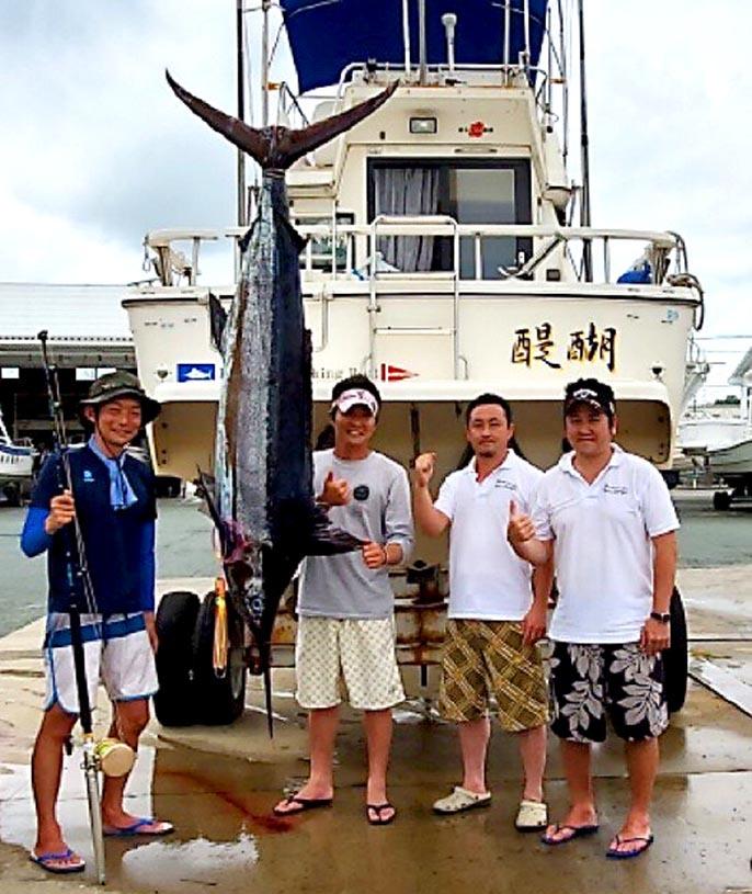 日曜日は浜松沖でクロカジキ7本_f0009039_14004765.jpg