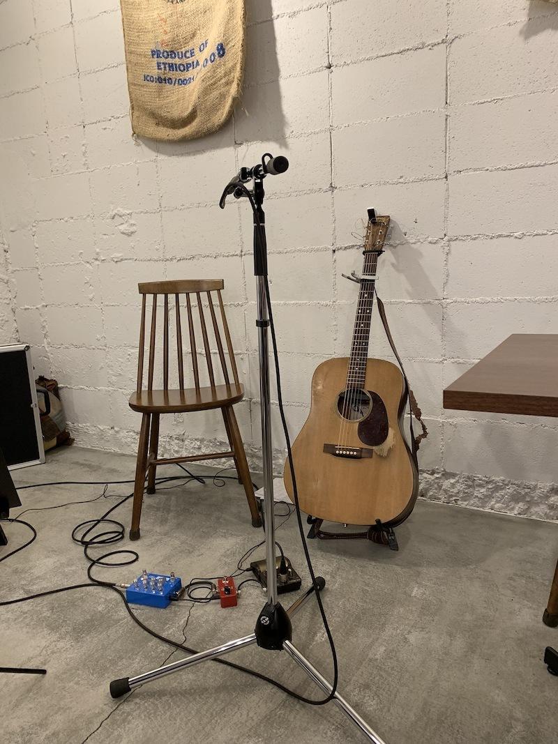 ギターの音色と歌声と。_f0176239_09455593.jpeg