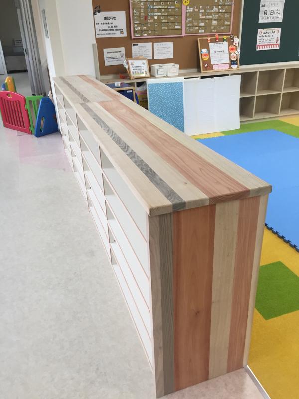 木育ワークショップ2日目。 今回のメイン作業は塗装です。 _c0074553_05222282.jpg