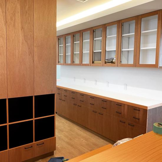 鳴門の歯医者さん ラワンベニアの家具、建具の現場。_f0053665_13305103.jpg