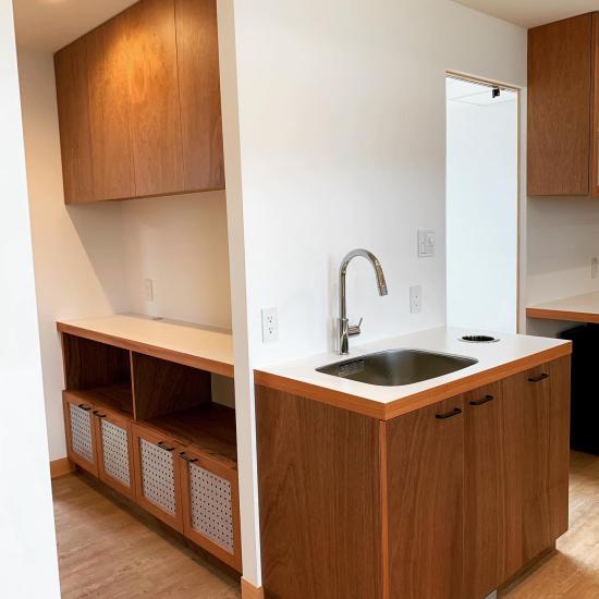 鳴門の歯医者さん ラワンベニアの家具、建具の現場。_f0053665_13313923.jpg
