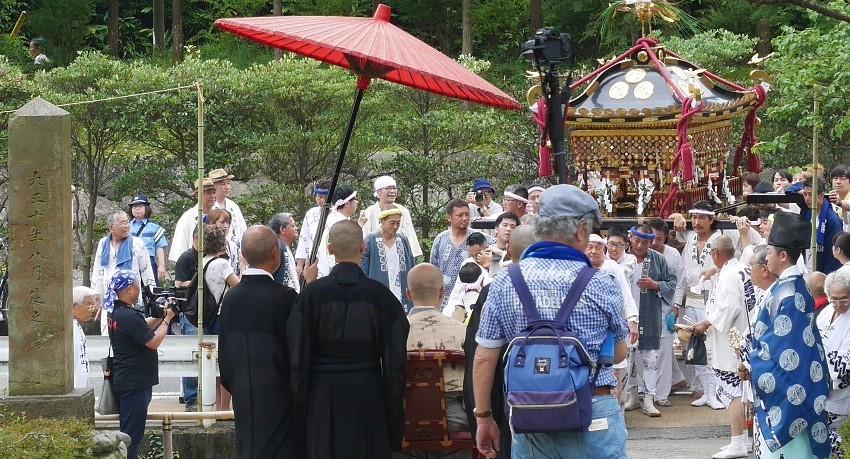 「神と仏の出会い」のシーン撮影:八雲神社例大祭7・21_c0014967_20160527.jpg