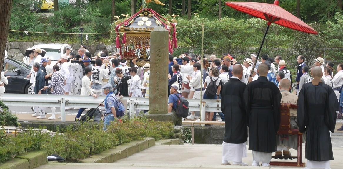「神と仏の出会い」のシーン撮影:八雲神社例大祭7・21_c0014967_20164534.jpg