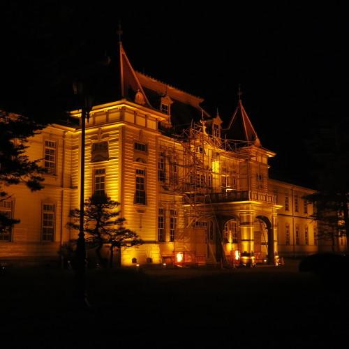 今日からアルツハイマー月間なので、ライトアップをオレンジに!_c0075701_15015963.jpg