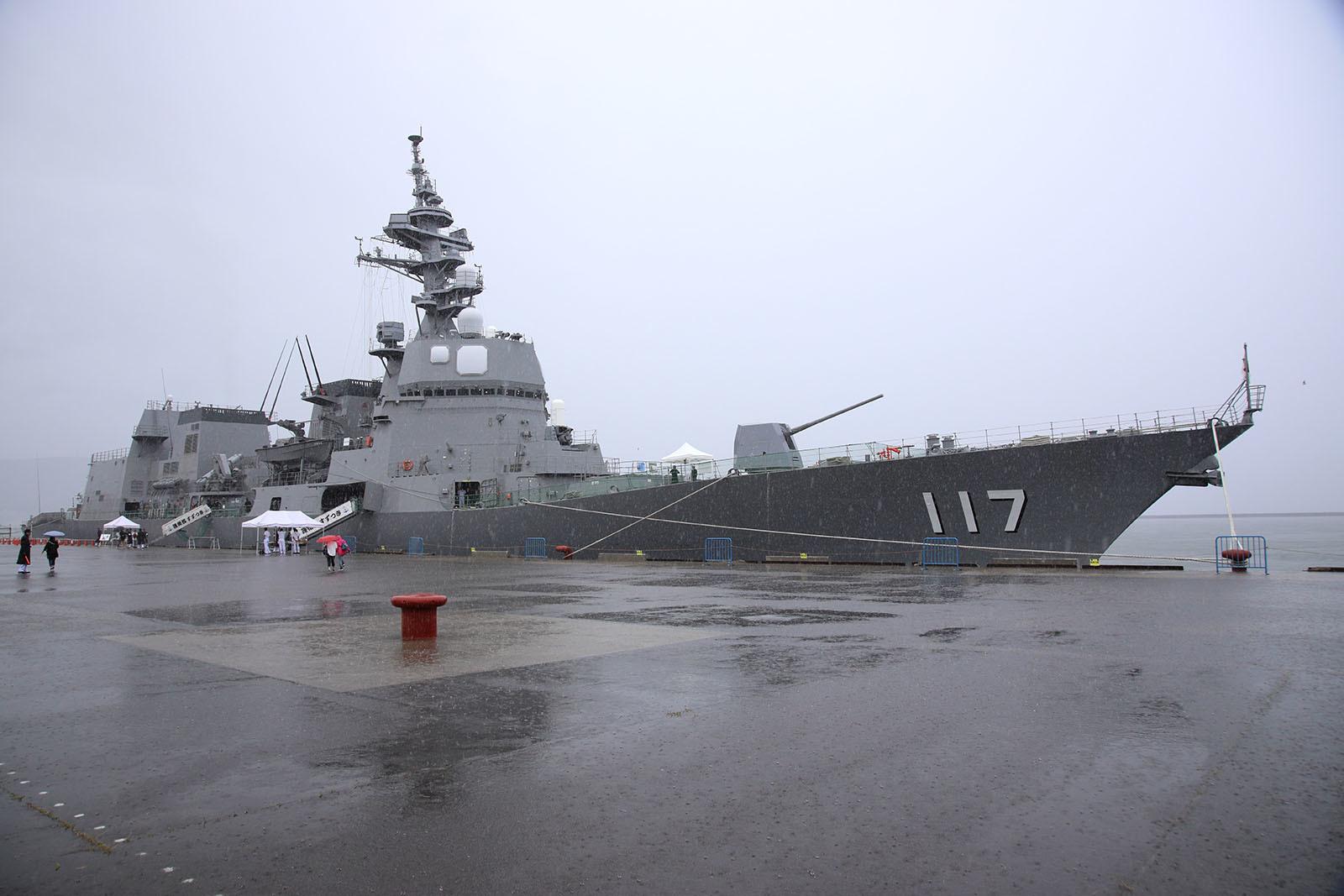 JMSDF DDH-184「かが」 in 小樽港 02_b0315809_21191301.jpg