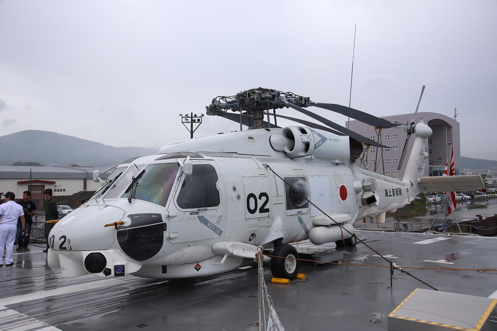 JMSDF DDH-184「かが」 in 小樽港 02_b0315809_21195398.jpg