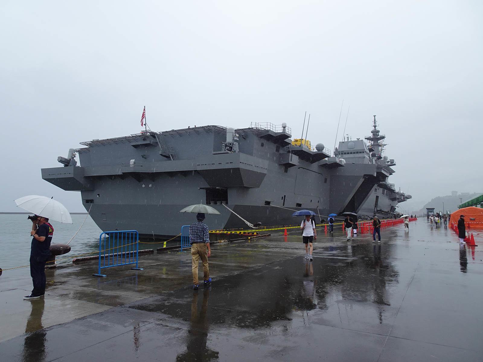 JMSDF DDH-184「かが」 in 小樽港 02_b0315809_21220509.jpg
