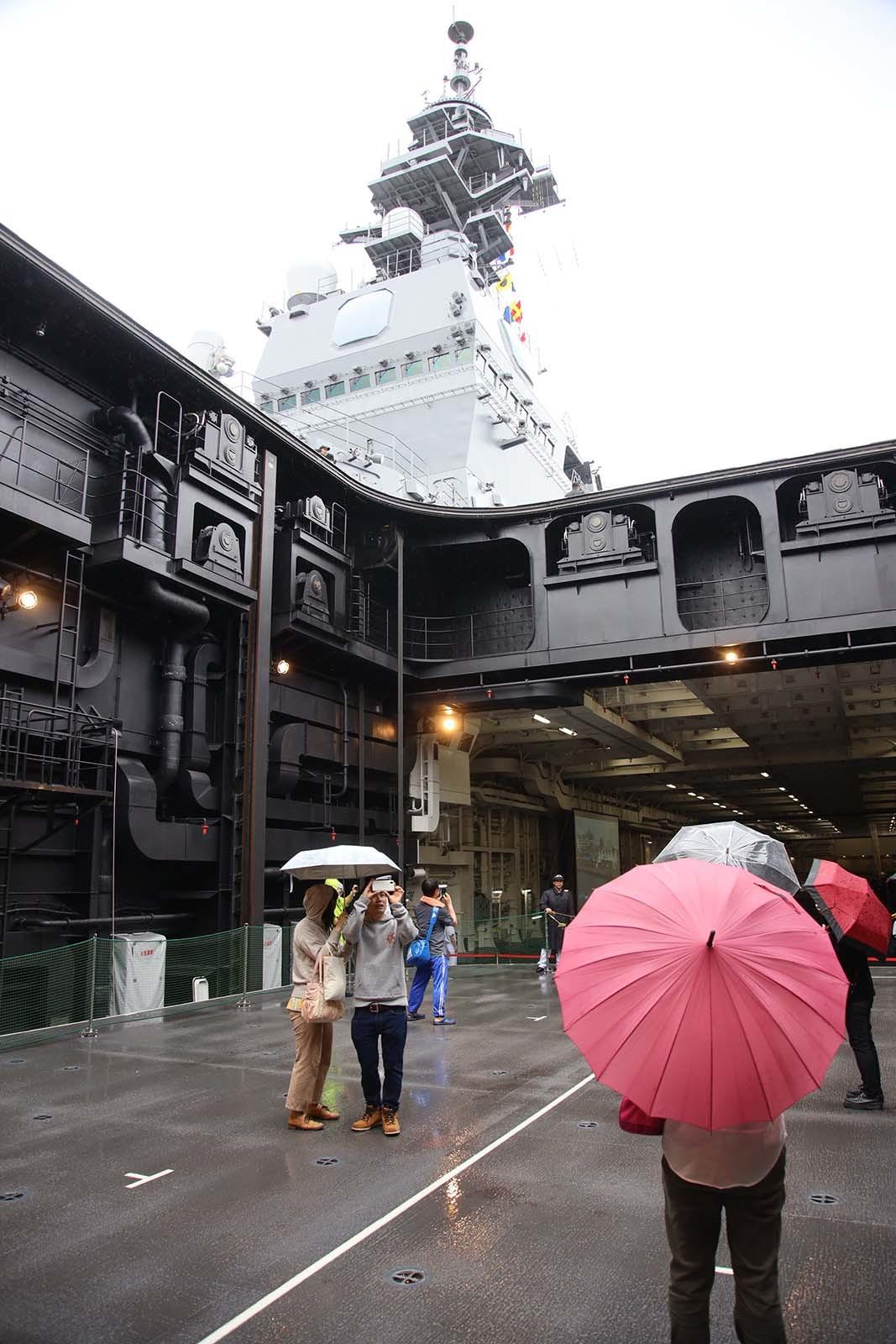 JMSDF DDH-184「かが」 in 小樽港 02_b0315809_21243223.jpg
