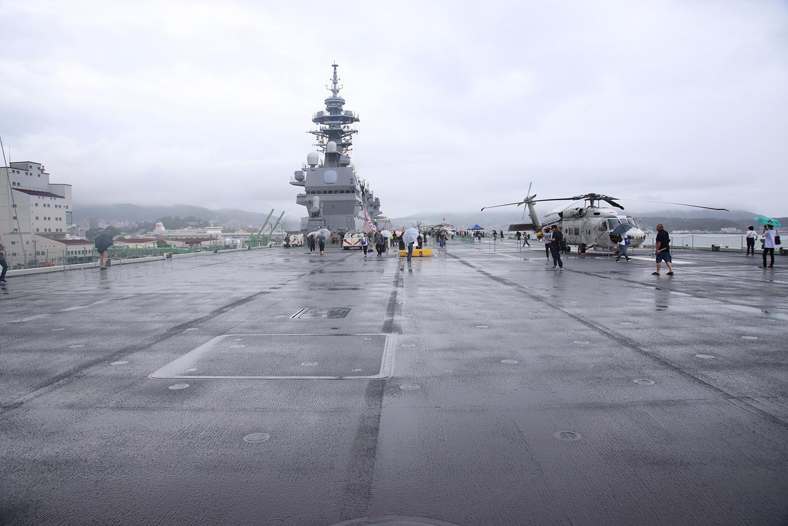 JMSDF DDH-184「かが」 in 小樽港 02_b0315809_21245784.jpg
