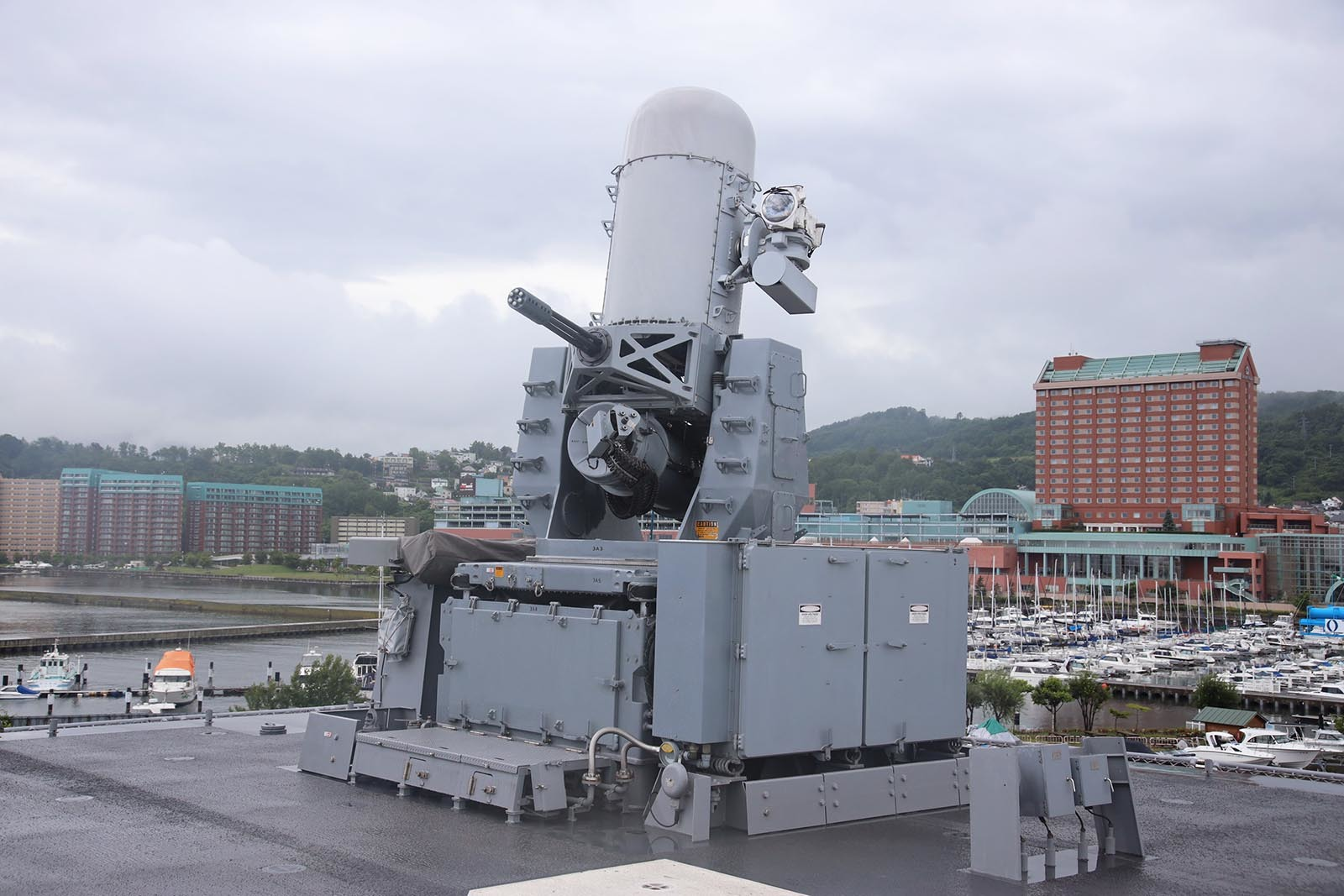 JMSDF DDH-184「かが」 in 小樽港 02_b0315809_21250963.jpg