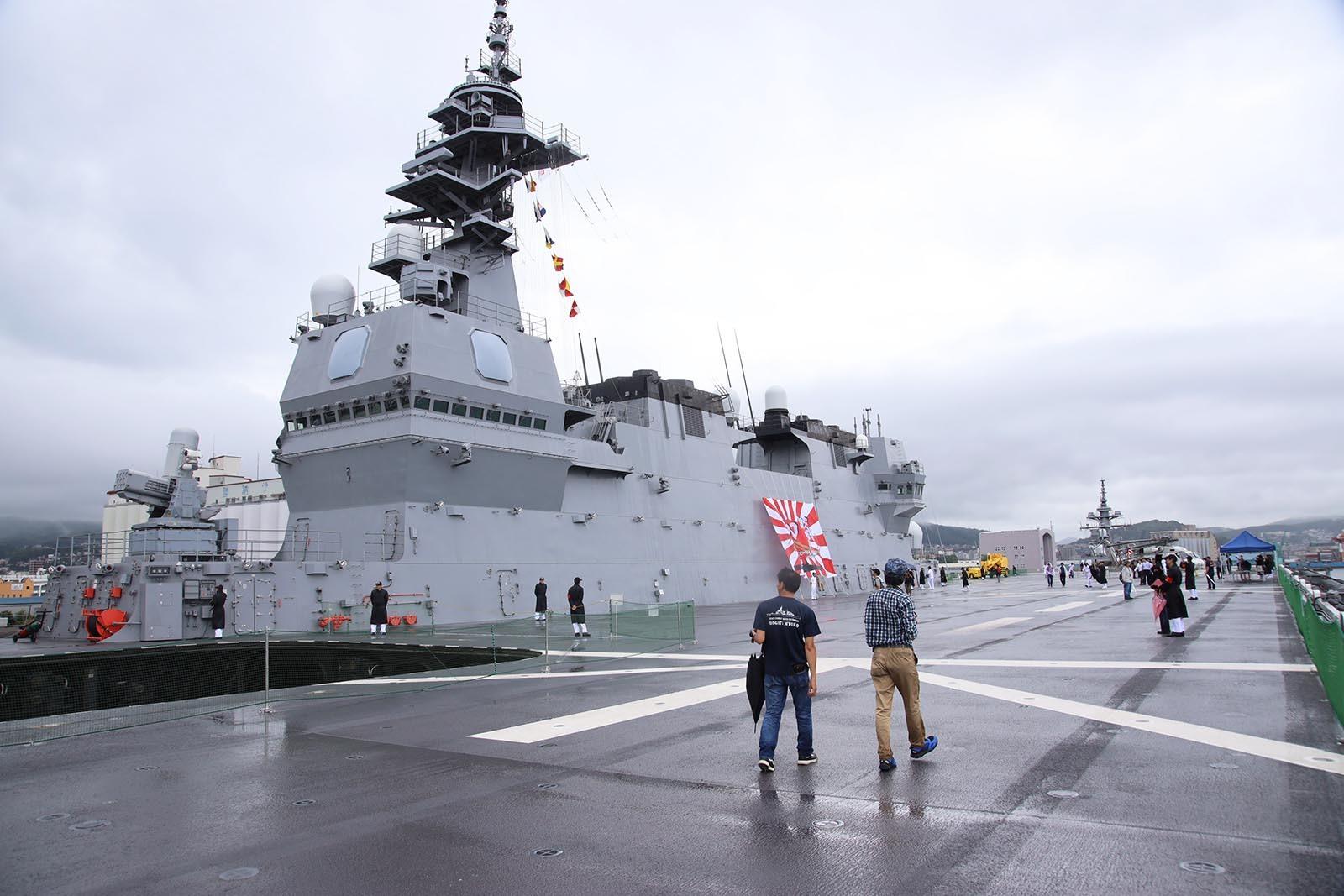 JMSDF DDH-184「かが」 in 小樽港 02_b0315809_21260056.jpg