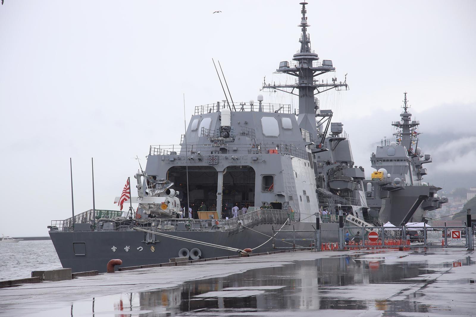 JMSDF DDH-184「かが」 in 小樽港 02_b0315809_21272448.jpg