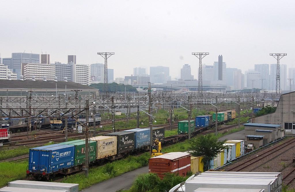 7/20東京貨物ターミナルにてSGS60レのコキとコンテナ_f0203926_22372187.jpg