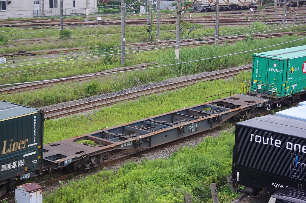 7/20東京貨物ターミナルにてSGS60レのコキとコンテナ_f0203926_22415235.jpg